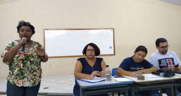 Servidores da educação de Cabo Frio entram em greve por tempo indeterminado