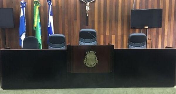 Câmaras de Cabo Frio e Arraial do Cabo suspendem as atividades por 15 dias