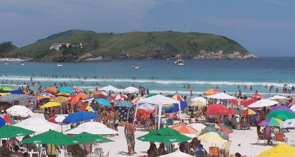 Turismo e comércio concordam com proibições, mas preveem baque na economia