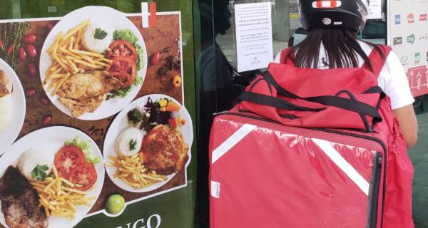 Coronavírus: restaurantes 'se viram nos 30' durante a crise