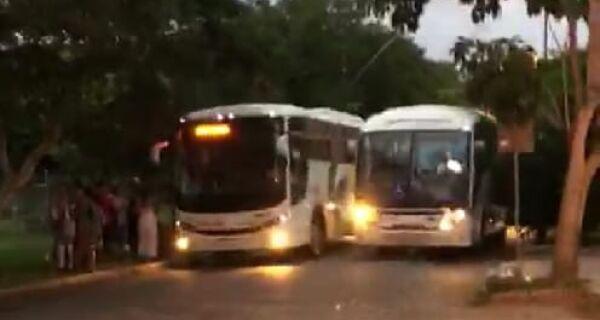 Empresas de turismo levam mais de mil visitantes de Búzios para o Galeão