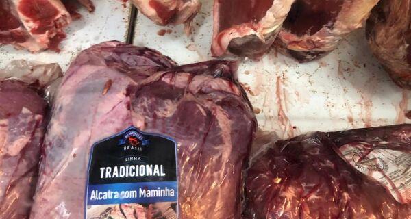 Vigilância Sanitária de Búzios apreende mais de 100 Kg de carne estragada em mercado