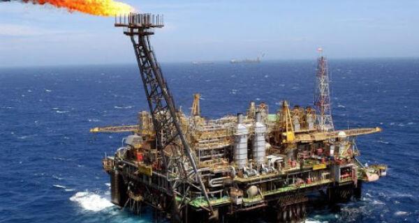 Petroleiros pedem interdição de plataformas após novos casos de Covid-19