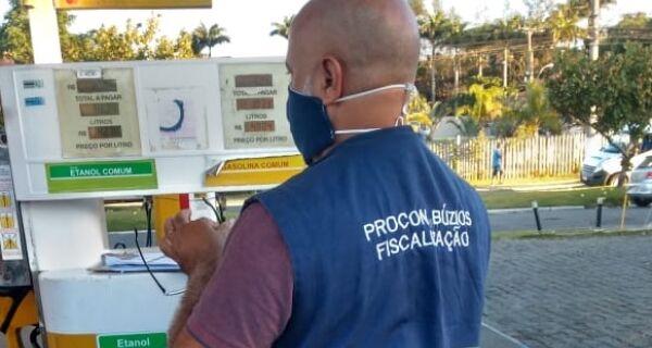 Procon notifica postos de combustíveis em Armação dos Búzios