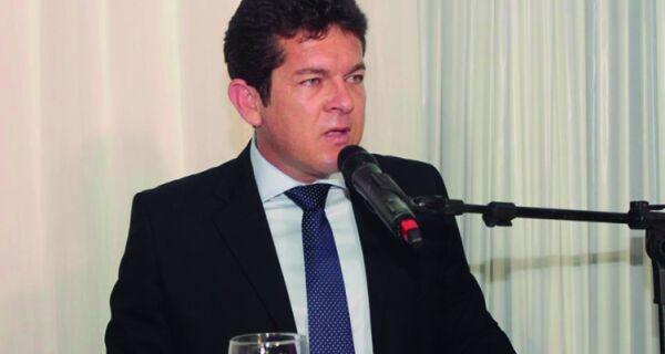 Prefeito de Arraial envia para Câmara projeto para redução do próprio salário