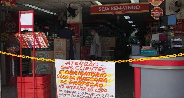 Estabelecimentos comerciais de Cabo Frio só permitem entrada de clientes com uso de máscaras