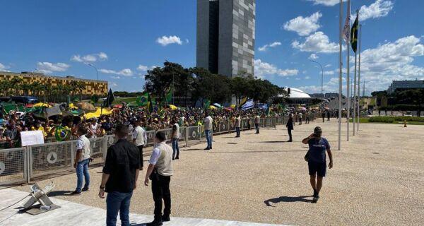 Ministros do STF e presidente da OAB repudiam ataques a jornalistas em Brasília