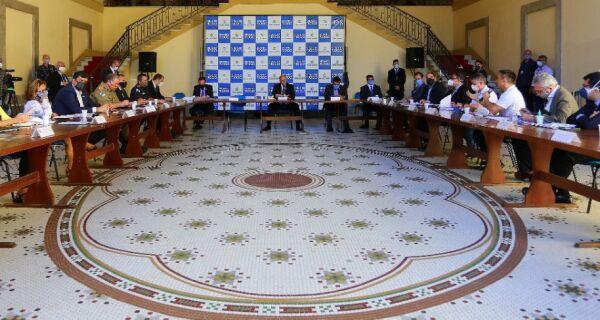 Governador se reúne com secretariado para discutir reabertura da economia