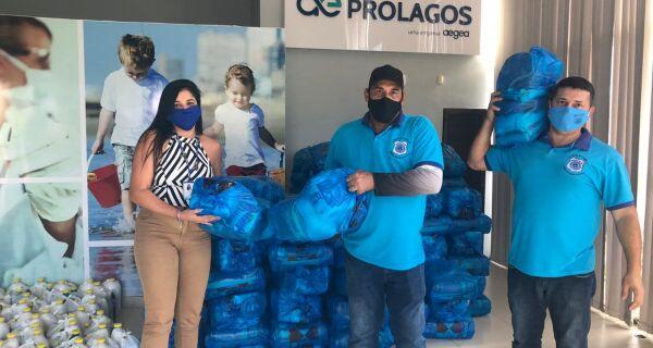 Prolagos distribui cestas de alimentos para Colônia de Pescadores de Arraial do Cabo
