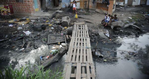 Moradores de favelas têm mais medo de contrair Covid-19, diz pesquisa da Uerj