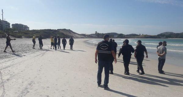 Prefeitura vai aumentar fiscalização para evitar acesso de banhistas às praias de Cabo Frio