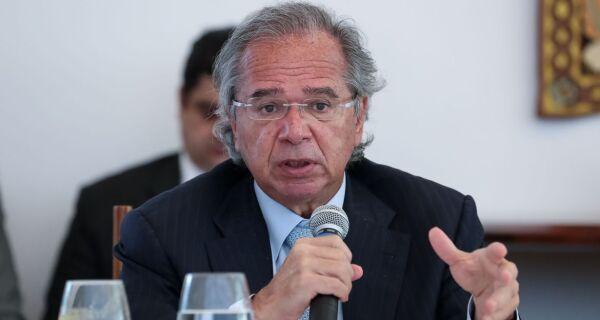Paulo Guedes confirma prorrogação do auxílio emergencial por dois meses