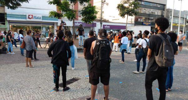 Ato contra o racismo acontece na Praça Porto Rocha nesta terça-feira
