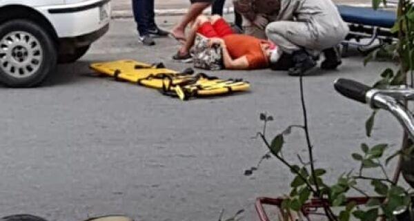 Mulher fica ferida ao ser atropelada  no centro de Araruama