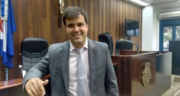 Vereador Aquiles Barreto tem estado de saúde estável após ser internado com sintomas de Covid-19