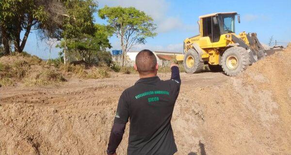 Secretaria Estadual do Ambiente faz operação contra extração mineral ilegal em Iguaba Grande
