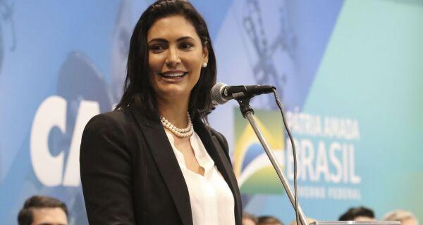 Michelle Bolsonaro testa positivo para covid-19