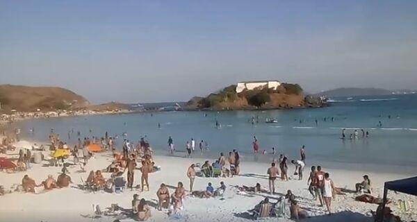 Ambulantes exigem posição da Prefeitura sobre volta às praias até quinta-feira