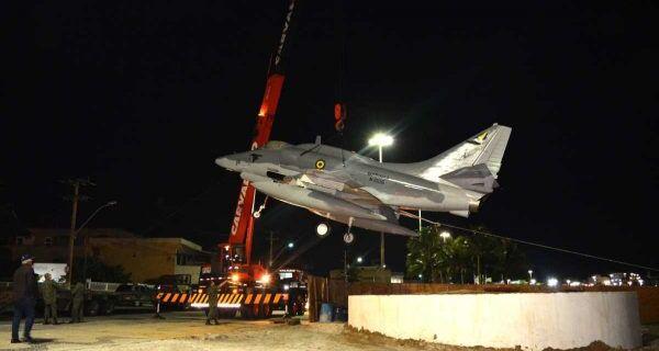 Aeronave militar será exposta na orla de São Pedro da Aldeia a partir deste domingo (23)