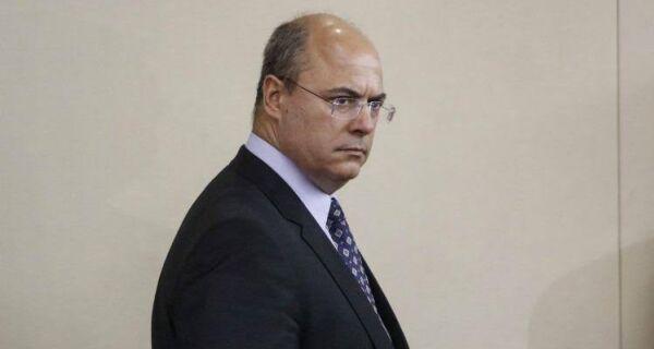 STJ afasta governador Wilson Witzel do cargo por suspeitas de fraudes na Saúde