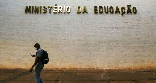 Ministério da Educação irá disponibilizar internet a alunos de universidades federais