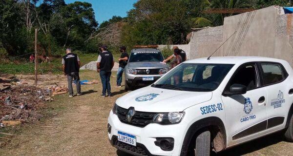 Prefeitura de Cabo Frio flagra construções irregulares em loteamentos no Distrito de Tamoios