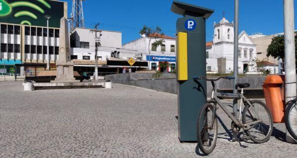 Cabo Frio volta a cobrar estacionamento rotativo a partir desta terça (1º)