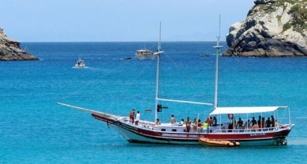 Arraial vai liberar passeios de barco e de bugre a partir de 1º de setembro