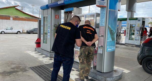 Procon de Cabo Frio realiza operação nos postos de combustíveis GNV