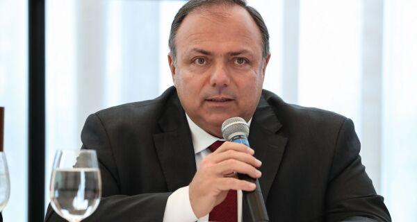 Ministro interino da Saúde retira covid-19 da lista de doenças de trabalho