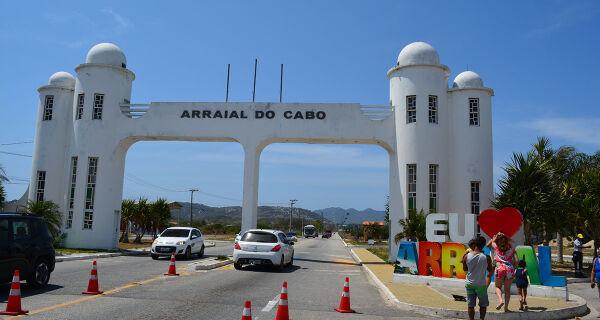 Cerca de 3,7 mil veículos são barrados pelas barreiras sanitárias em Arraial durante feriado