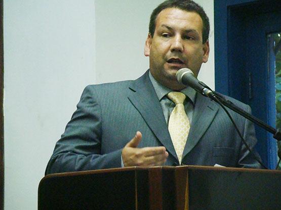 Emanoel Fernandes acaba com mistério e confirma presidência no PROS em Cabo Frio