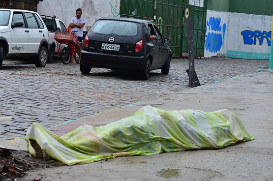 Homem morto a tiros durante a madrugada no bairro Jardim Caiçara é identificado