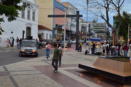 Manifestação fracassa e leva pouca gente à Praça Porto Rocha