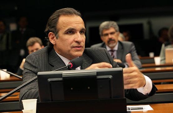 Hugo Leal confirma Emanoel Fernandes na presidência do Pros