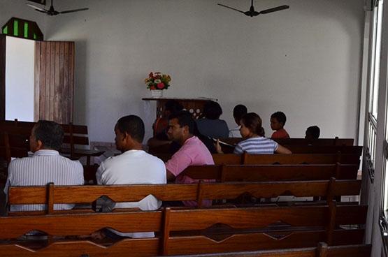 Corpo de menino assassinado é velado na Igreja Maranata