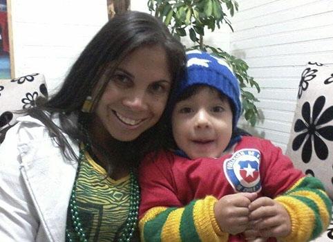 Em Santiago, jornalista cabofriense Danielle Carvalho fica entre o Brasil e o Chile para o jogo deste sábado