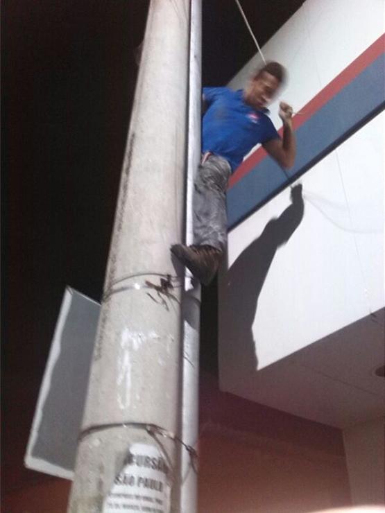 Homem é preso após furtar 26 celulares das Casas Bahia de Cabo Frio