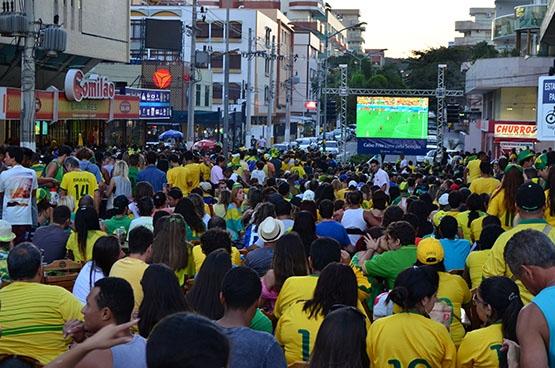 Prefeitura de Cabo Frio amplia para quatro o número de telões para exibição da semifinal entre Brasil e Alemanha