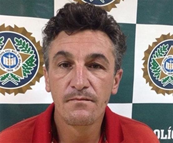 Policiais da 125ª DP cumprem mandado e prendem acusado de homicídio em São Pedro da Aldeia