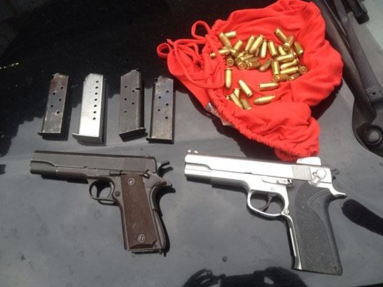 Polícia prende dois homens suspeitos de praticarem vários homicídios no Jardim Caiçara, em Cabo Frio