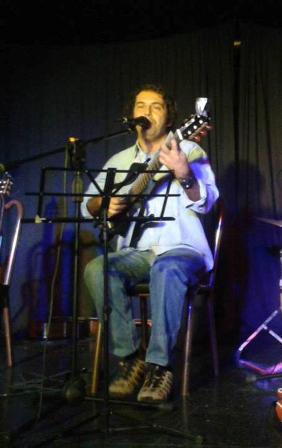 Músicos de Cabo Frio comemoram lei do couvert artístico