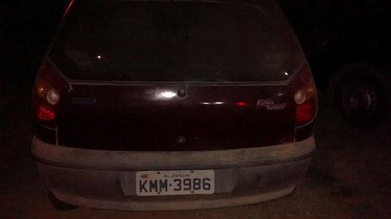 Dois adolescentes são apreendidos num carro roubado no Campo Redondo