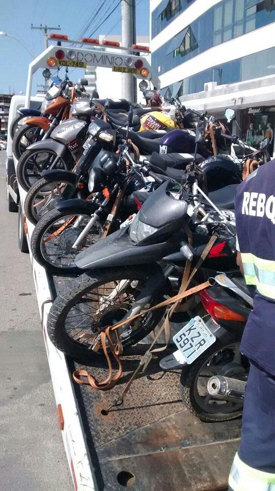 Policiais militares do 25º BPM (Cabo Frio)apreendem em operação 132 veículos irregulares na Região dos Lagos