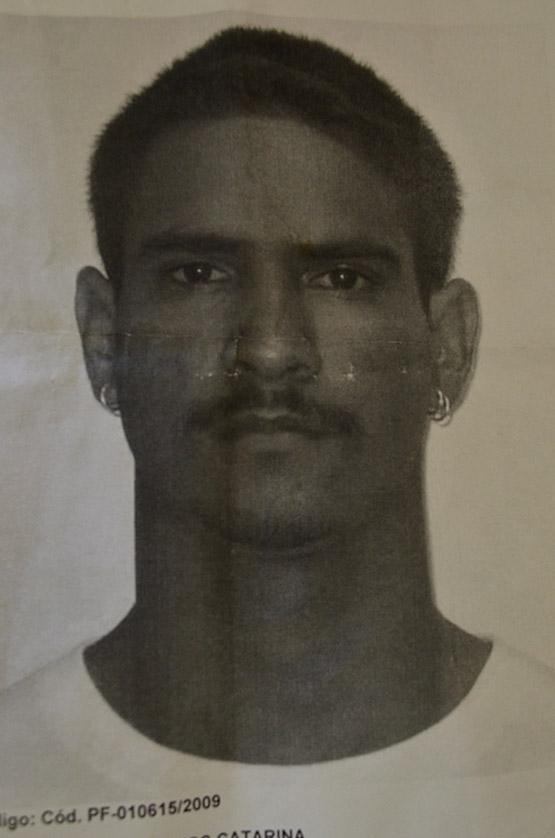Agentes da 126ª DP cumprem dois mandados de prisão em Cabo Frio