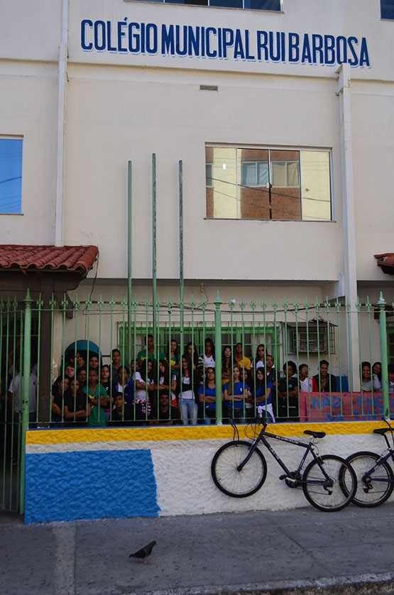 Colégio Rui Barbosa está por um fio