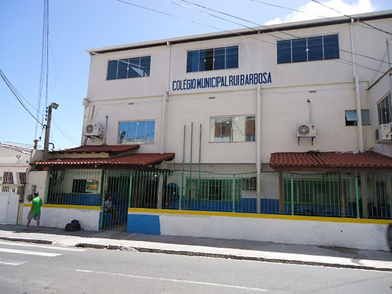 Com R$ 48 milhões, Colégio Rui Barbosa existiria por mais 12 anos