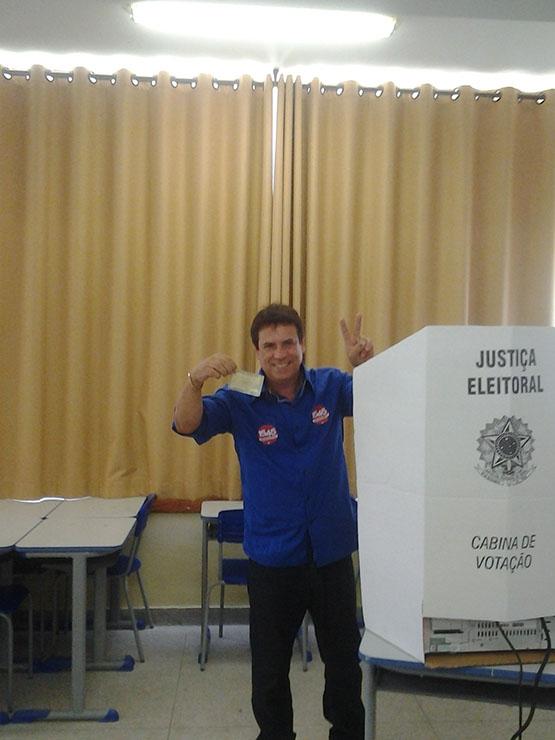 Marquinho Mendes vota no Miguel Couto e diz estar preparado para assumir vaga no Congresso