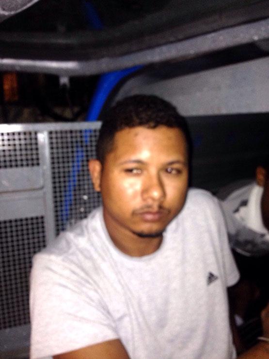 'Pão doce' é preso por policiais do GAT com cocaína, maconha e balança de precisão
