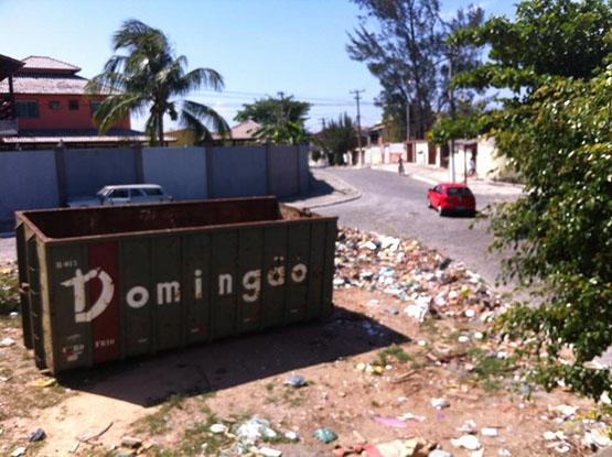 Terreno no Recanto das Dunas é utilizado como depósito de lixo